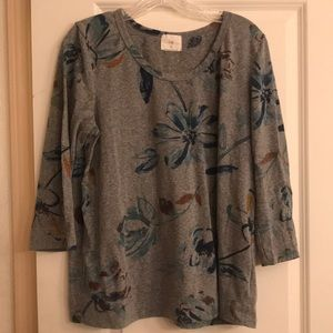 t.la from Anthropologie printed tee size large